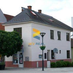 JKV REAL |--PREDAJ--Polyfunkčná budova na námestí, Brezová pod Bradlom