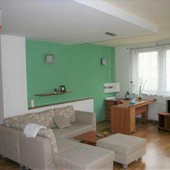 Ponúkame na prenájom zariadený 3-izbový byt /115m2/ s parkovaním byt na ulici Žilinská - Kyčerského