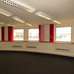 Reprezentatívny kancelársky priestor o výmere 120,51 m2 na prenájom na Plynárenskej ul. v objekte Br