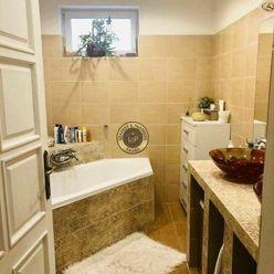 Na predaj 10-izbový rodinný dom 5km od Dunajskej Stredy