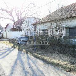 ZNÍŹENÁ CENA -Na predaj rodinný dom v obci Kuraľany s veľkou záhradou, okres Levice, 1420m2.