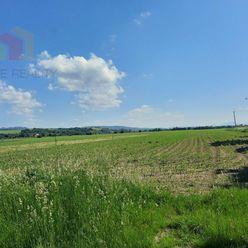 pozemok na výstavbu rodinného domu  v obci Slávnica