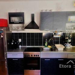PRENÁJOM - 1 izbový byt S PARKOVACÍM STÁTÍM, ul. Lipnická, Bratislavský kraj