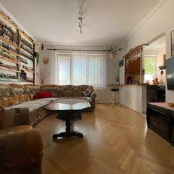 Priestranný a kompletne zrekonštruovaný 3.izbový byt s rozlohou 73.53 m2, na 1. poschodí