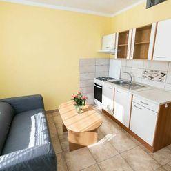 1-izbový byt s balkónom na prenájom - Zvolen, Lipovec