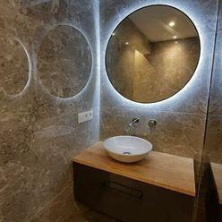 NOVINKA: Exkluzívne priestranný 2-izbový byt v centre Starého Mesta