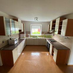 Šamorín, predaj 4 izb. rodinného domu s garážou, dvomi státiami pred domom, Šamorín časť Mliečno