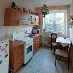 5  izbový byt , garáž a záhrada