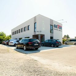 NA PRENÁJOM | Komerčný priestor 200 m2 s parkovaním v Trenčíne