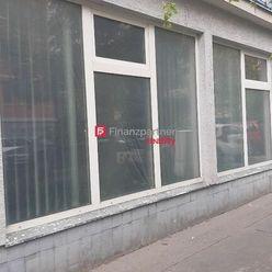 Obchodný priestor so služobným bytom