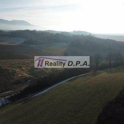 Na predaj stavebný pozemok v obci Dolný Kalník s projektom a stavebným povolením