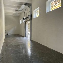Prenájom, skladové priestory 216 m2, Martin