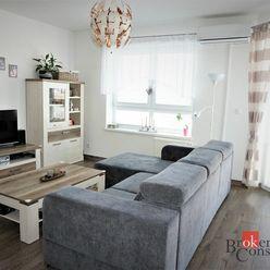 Predaj atraktívneho dvojizbového bytu s veľkou terasou a parkovacím miestom v Senci.