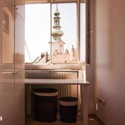 Na prenájom 2i byt na Hurbanovom Námestí v centre Starého mesta