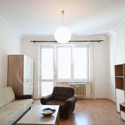 REZERVOVANÉ Zariadený 2i byt s balkónom