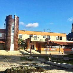 Veľkokapacitná piváreň, HOTEL, REŠTAURÁCIA v centre obce Nitrianske Pravno - okres PRIEVIDZA