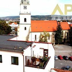 Exkluzívne APEX reality 3i. byt s terasou a parkovacím miestom na Námestí sv. Michala v Hlohovci
