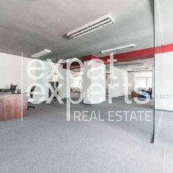 Priestranné kancelárie, 308 m2, open space, parkovanie, Štrkovec