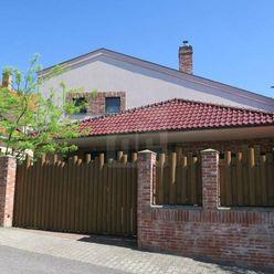 Directreal ponúka Pôsobivý 8 izb.RD, pozemok 804m2, 4x garáž, skvelá lokalita, BA-Rača