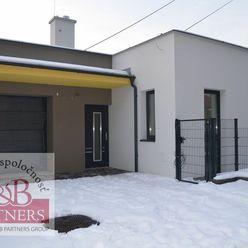 Ponúkame Vám na predaj novostavbu nízko-energetického rodinného domu v radovej zástavbe v Trenčíne,