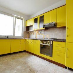 Veľký 4-izbový byt s loggiou, 82 m², Pekinská