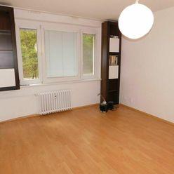 Ihneď voľný tichý praktický byt - Kramáre - Guothova