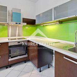 Na predaj 2-izbový byt + kuchyňa Bratislava-Staré Mesto, kompletná rekonštrukcia