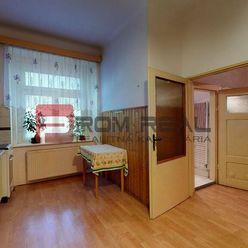 Kus histórie v Starom Meste - na predaj 2 izbový byt na Murgašovej ul.