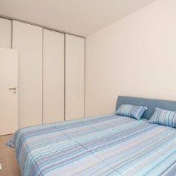 3izbový zariadený byt v novostavbe vrátane parkovacieho miesta , klimatizácia, blízkosť Centrálu