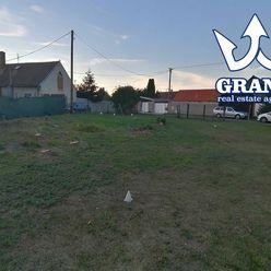 ROVINATÝ ! GAJARY, pozemok pre rodinný dom, 1043 m2, IS pri pozemku,MB