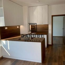 Prenájom 3i byt v časti Viladomy Fialová, Slnečnice, Bratislava-Petržalka.