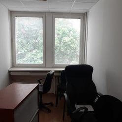 Klimatizovaná kancelária 54 m2 pri POLUS-e na Pluhovej ul. s možnosťou lacného parkovania