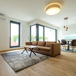 Prenájom – Luxusný apartmán v novostavbe s parkovaním, Nitra-centrum