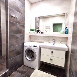 Rezervované Na predaj EXKLUZÍVNY 2 izb.byt s nádherným výhľadom , Nová Dubnica