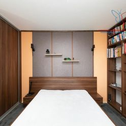 P R E D A J  4-izbový byt  4x neprechodná izba