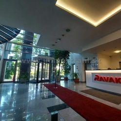 Nadštandardné administratívne priestory na prenájom o výmere 70 m2 a viac v budove Ravak Business Ce