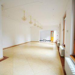Obchodné/kancelárske priestory na Štúrovej ulici, 80 m2, Piešťany