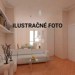 Predaj veľkometrážneho 3.izb bytu s pozemkom v nízkej tehlovej bytovke
