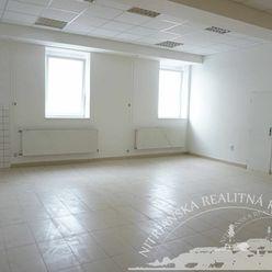 Podnájom - obchodný priestor prízemie 48m2, Nitra - centrum