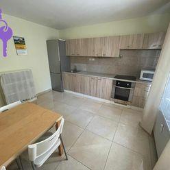 Ponúkame na predaj 3 izbový byt po kompletnej rekonštrukcii , Československých parašutistov Bratisla