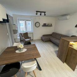 Moderný 3-izbový byt v centre Malaciek, 76 m2