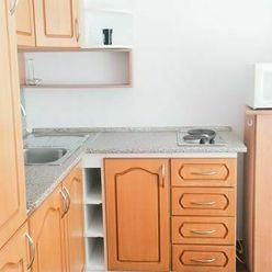 Na predaj  rekonštruovaný 1 izbový byt na ul. Smetanov háj.