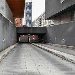 Parkovacie státie na Trenčianskej ulici