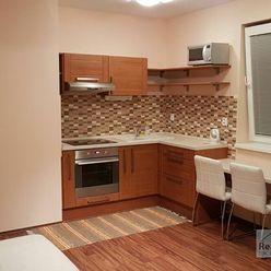 PRENÁJOM: pekný, moderne zariadený 1-izb. byt v 4-ročnej novostavbe v Stupave s parkovacím miestom