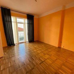 Na prenájom 4 izbový byt o výmere 135 m2 v centre