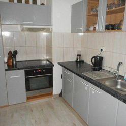 Rezervované -Zaujímavý 4-izbový byt s murovanou loggiou čiast. Rekonštrukcia, 86m2, ul. Bratislavská