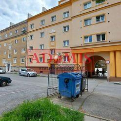 2izbový tehlový byt, 57m2, Jilemnického ulica, tichá lokalita s parkom, Košice