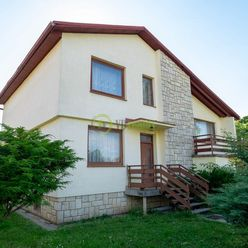 NA PREDAJ – Jedinečný 5 izbový Rodinný dom s priestranným pozemkom– Nitra Kynek