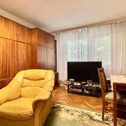 83 m2 - 3 izbový čiastočne zrekonštruovaný byt, Komárno, predaj