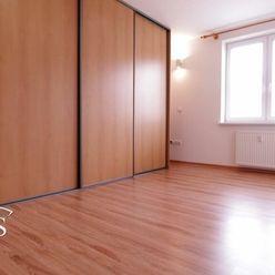 BEDES - PREDAJ | tehlový 2izb. byt, 56m2, kompletná rekonštrukcia, Handlová – lokalita Sever